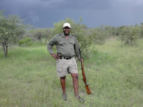 Mbazi Safaris - Kruger National Park Tour Operator - Bush walks, Morning and Afternoon